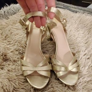Beautiful gold Vince Camuto heels size 9